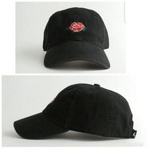 HCO: ROSE HAT